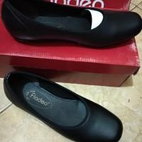 Hny sz 36 Flatshoes hitam merk FLADEO Ori