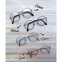 Kacamata fashion wanita