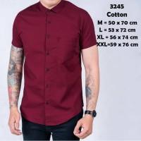 Baju Kemeja Lengan Pendek Casual Pria Merah Maroon Polos Slimfit 3245