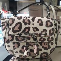 Guess Bag / Tas Guess / Tas Wanita / Guess Leopard / Guess Leo