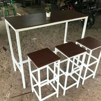 Berbagai meja belajar/cafe