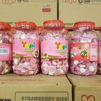 Permen Yupi Love, Strawberry Kiss