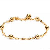Bergaya berlapis emas warna bell liontin twisted gelang