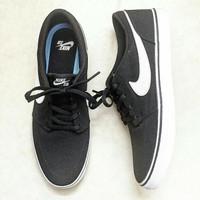 Sepatu nike sb portmore