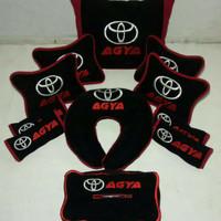 Toyota Agya aksesoris bantal mobil