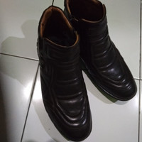 Sepatu kickers 2106 original