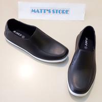 Sepatu karet Att (800) Hitam putih