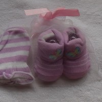 Mitten Carter-Kaos kaki plus sarung tangan motif Buterfly ungu