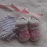 Mitten Carter-Kaos kaki plus sarung tangan motif Flower ungu