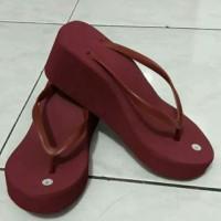 Sandal jepit hamer