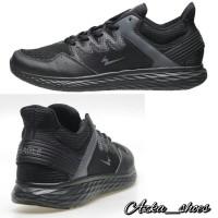 Sepatu sneakers running eagle maverick