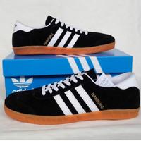 Adidas Hamburg Black White (2)