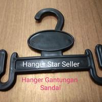 Hanger Sandal Jepit Hitam