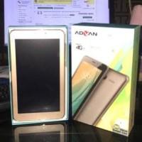Advan Bandroid i7A Tablet 4G LTE- 1\u002F8Gb Free Diamond Case