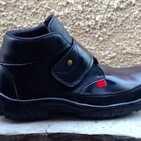 Sepatu safety perepet