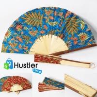 Kipas Tangan / Kipas Manual Kain Motif Batik Ukuran Besar Bahan Bambu