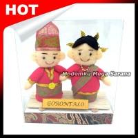 Boneka Pakaian Adat Gorontalo
