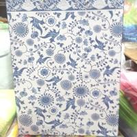 Paper bag / tas kertas / tas kado batik tebal