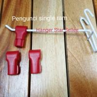 Pengunci single ram atau stop lock