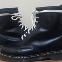 DR MARTENS / DOC MART 1460 BLACK NOIR SIZE 43 ( MADE IN CHINA ) ORI