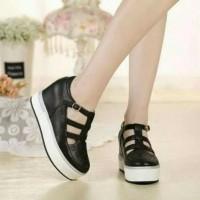 Promo terlaris sepatu murah wanita wedges hitam laser sepatu slip on