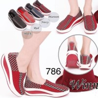 Sepatu Rajut Wedges Winn 786