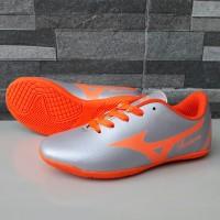 Sepatu Futsal Anak Mizuno Fortuna Silver Oren Murah Terlaris