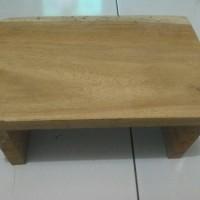 Kursi Pendek / Bangku Jongkok Kayu