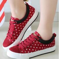Sepatu Kets Wanita Casual Star Hitam dan Merah SK03