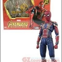 Bandai-Avengers InfinityWar SH Figuarts IronSpider with Tamashii Stage