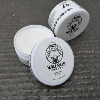 WALRUS POMADE SNOW CLAY STRONG HOLD 2.8OZ FREE SISIR SAKU