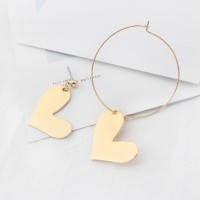anting asimetris hati asymmetric love earrings jan143