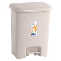tempat sampah injak 25 liter claris 1158