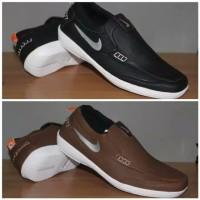 sepatu slip on slop Nike Pria Casual Sepatu Sneakers import cowok Baru