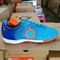 Sepatu Futsal ortuseight Catalyst Oracle IN biru