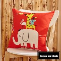 Sarung Bantal - Elephant & Friends