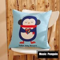 Sarung Bantal - Musical Penguin