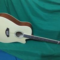 Gitar akustik naturaldoft