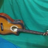 Gitar akustik elektrik Pemula eq