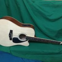 Gitar akustik elektrik Jumbu naturaleq