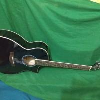Gitar akustik sipruse