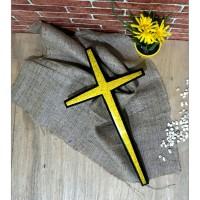 Salib Dinding Kayu Jati ukuran 40 x 22 cm List kuning Elegan