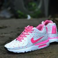 sepatu wanita Nike Pink