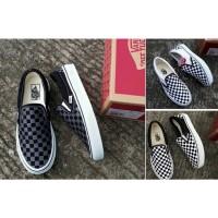 Sepatu Sneakers Vans Slip On Checkerboard