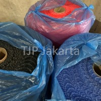 Bubble Wrap Warna Hitam / Biru / Merah
