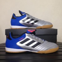 Diskon 40% Sepatu Futsal Adidas Copa Tango 18.3 IN Silver Blue DB2452