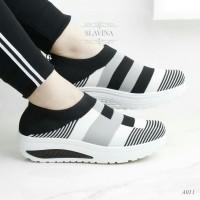 Sepatu Wanita Slip On Zelyne SDS301