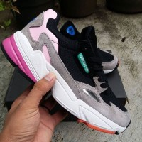 Adidas Falcon Kylie Jenner Core Black Light Granite
