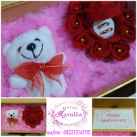 Kotak perhiasan cincin bentuk bunga mawar love / hati + boneka beruang