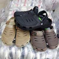 Sendal Crocs Yukon Suede Man Flash Sale